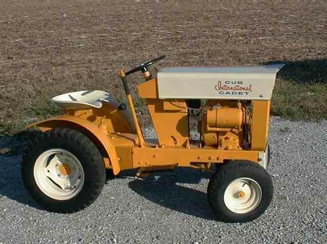 1962 Cub Cadet : Lawn garden tractors collectors kent shultz